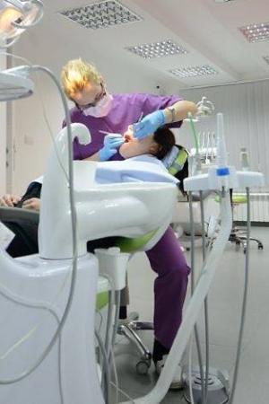 tia dentico, dok radimo, popravka zuba